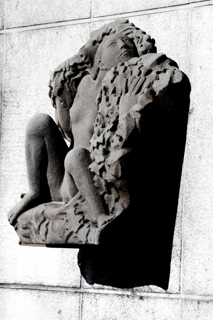 Figuur in lover (Jan Alfons Keustermans)