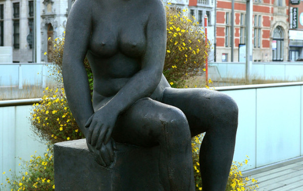 """""""Zittende vrouw"""" door Georges Grard"""